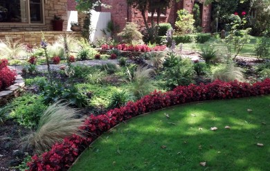 landscape makeover, seasonal color, planter placement, planting, flowers, flower change, landscape specialists, seasonal flowers, seasonal planting, sacramento, folsom, roseville, rocklin, el dorado hills, rancho cordova, lincoln